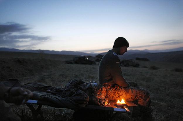 vacu karavirs nosvin savu dzimsanas dienu afganistana