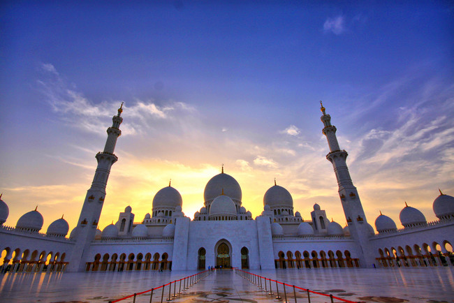 Šeiha Zajeda grandiozā mošeja, Abu Dabi, Arābu Emirāti
