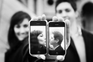 ka iphone mainija milas dzives